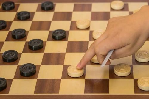 下国际跳棋,杭州转塘小学全民皆兵