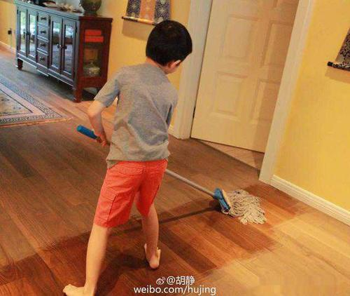 小学将做家务列入作业 小学生称养家不易