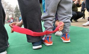 孩子成长需要父母同步,专家解读:年轻父母比较急功近利