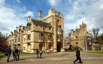 排名靠前的英国的大学名校有哪些?
