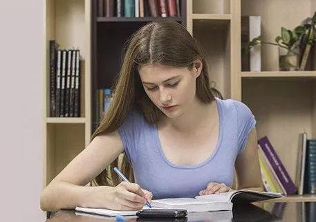 成考作文命题趋势及技巧